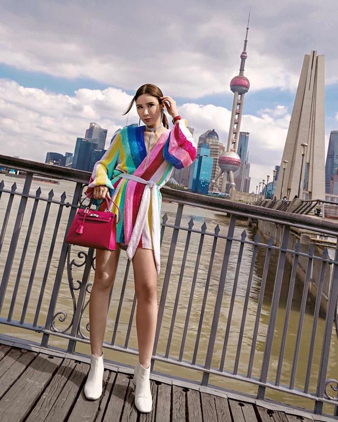 """Con gái của """"bà hoàng Hermes Jamie Chua: Tí tuổi đã mặc đồ hàng hiệu khắp người, mạnh dạn đầu tư kinh doanh thương hiệu phụ kiện riêng - Ảnh 4."""