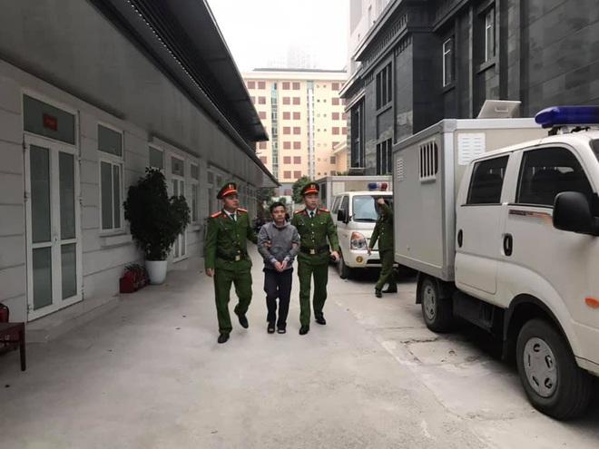 Hình ảnh mới nhất phiên xét xử vụ MobiFone mua AVG: ông Nguyễn Bắc Son, Trương Minh Tuấn tới tòa - Ảnh 10.