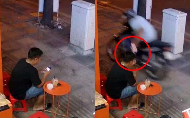 Bức ảnh một giây trước pha cướp giật khiến dân mạng kinh ngạc