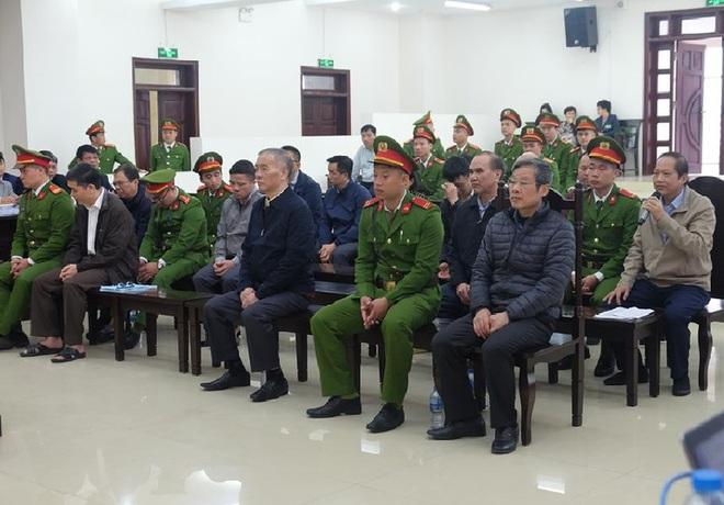 Bị cáo Lê Nam Trà khai nhận thùng carton chứa 2 triệu USD từ Phạm Nhật Vũ - Ảnh 1.