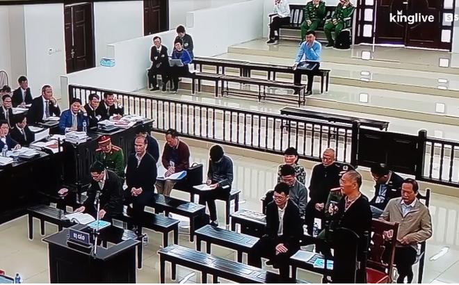 """Cựu Chủ tịch Lê Nam Trà khóc xin giảm án cho các """"lãnh đạo ưu tú đã xây dựng MobiFone"""""""