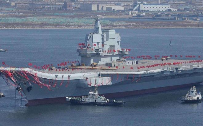 """Biên chế tàu sân bay ở """"cửa ngõ Biển Đông"""", ý đồ của Trung Quốc là gì?"""