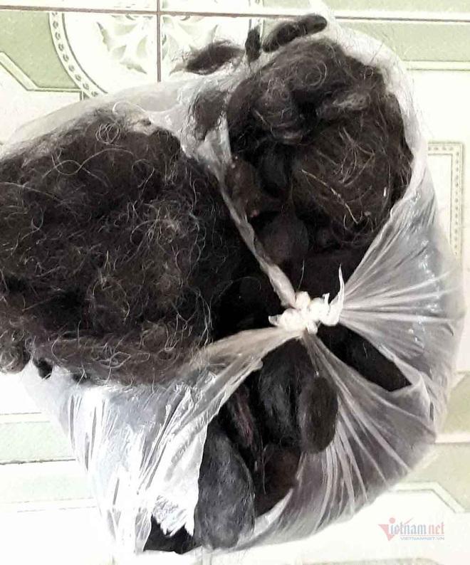 Đi mua tóc dài tóc rối, người đàn ông bị vây bắt, yêu cầu làm chuyện khó tin - Ảnh 5.