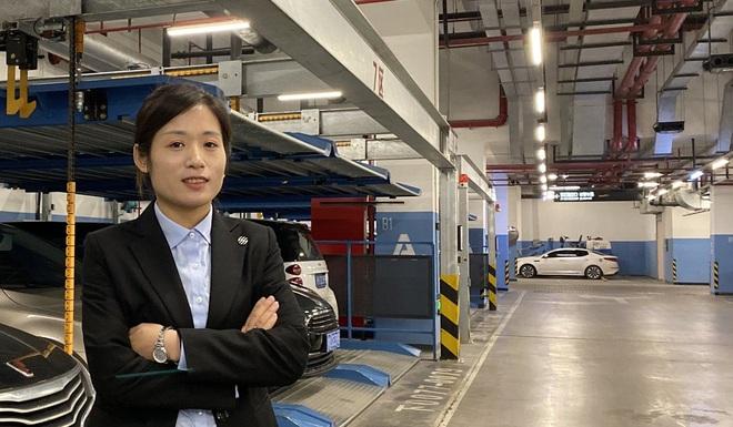 Thời đại AI, trông xe còn giàu hơn đi làm văn phòng ở Trung Quốc - Ảnh 1.