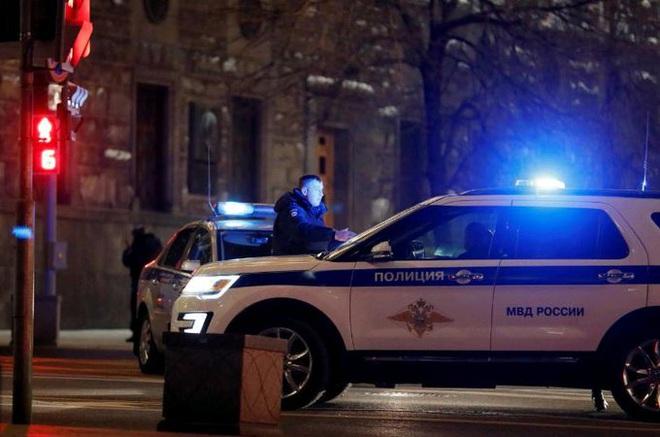 CẬP NHẬT: Xả súng kinh hoàng giữa Moscow - Ảnh 8.