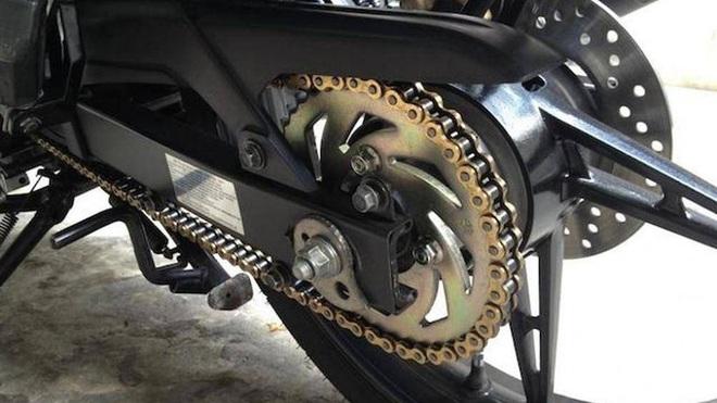 Những bộ phận dễ bị hỏng nhất của xe máy - Ảnh 4.