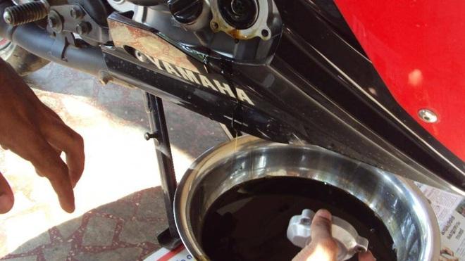 Những bộ phận dễ bị hỏng nhất của xe máy - Ảnh 5.