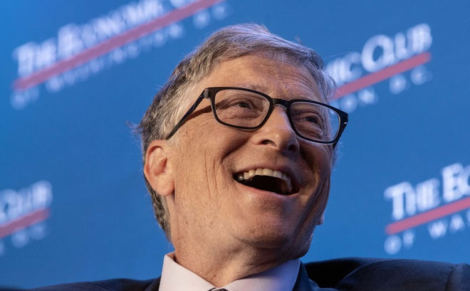 Bill Gates: 'Tôi từng tấn công máy tính nhà trường để được xếp ngồi cạnh gái xinh nhưng lại ngại tán tỉnh họ'