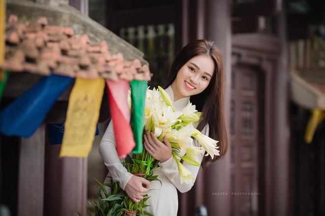 Xuất hiện giữa vườn hoa dã quỳ, cô gái 18 tuổi khiến dân mạng truy tìm, thấy nụ cười ai cũng hiểu lý do - ảnh 10