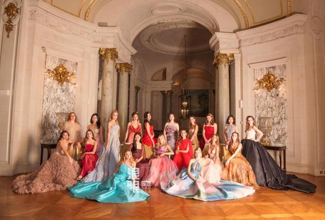 Con gái Lý Liên Kiệt khí chất nổi bật tại vũ hội dành cho con nhà giàu Paris - Ảnh 5.