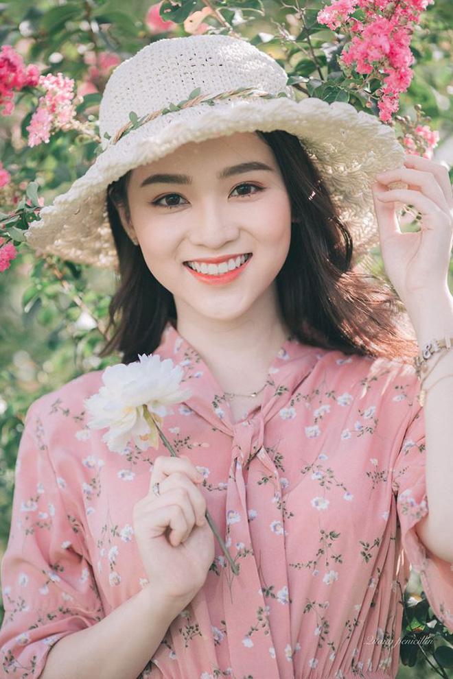 Xuất hiện giữa vườn hoa dã quỳ, cô gái 18 tuổi khiến dân mạng truy tìm, thấy nụ cười ai cũng hiểu lý do - ảnh 8