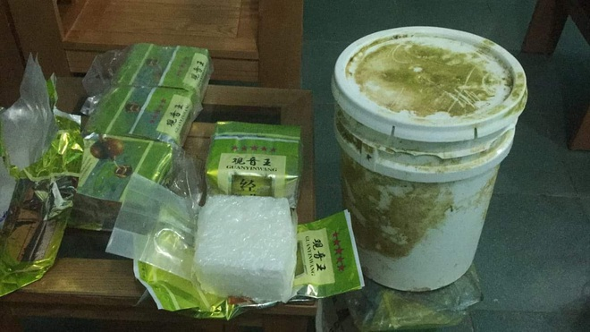 Công an, Biên phòng lên tiếng vụ nhiều địa phương nhặt được ma túy trôi dạt vào bờ - Ảnh 2.