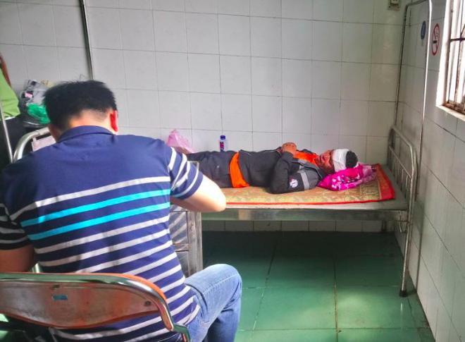 Thanh niên đâm lén bạn nhậu đang ngủ tử vong vì bị đánh rách da đầu - Ảnh 1.