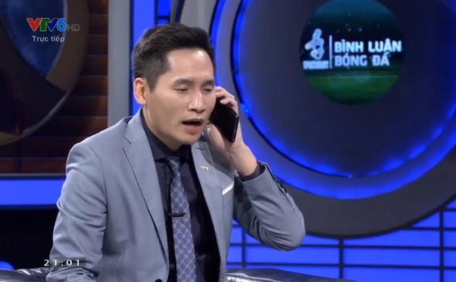 Nhiều ngôi sao bức xúc khi BTV Quốc Khánh giả vờ gọi điện cho Văn Lâm đề nghị thay Bùi Tiến Dũng