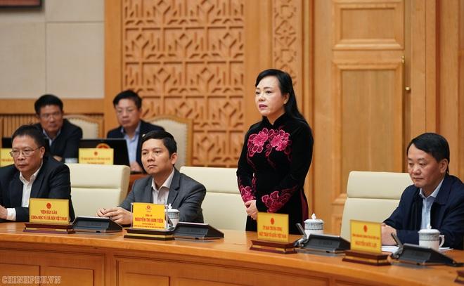 Thủ tướng phát biểu chia tay, biểu dương nguyên Bộ trưởng Y tế - Ảnh 2.