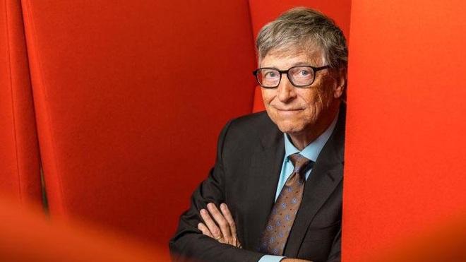 Bill Gates: Tôi từng tấn công máy tính nhà trường để được xếp ngồi cạnh gái xinh nhưng lại ngại tán tỉnh họ - Ảnh 1.