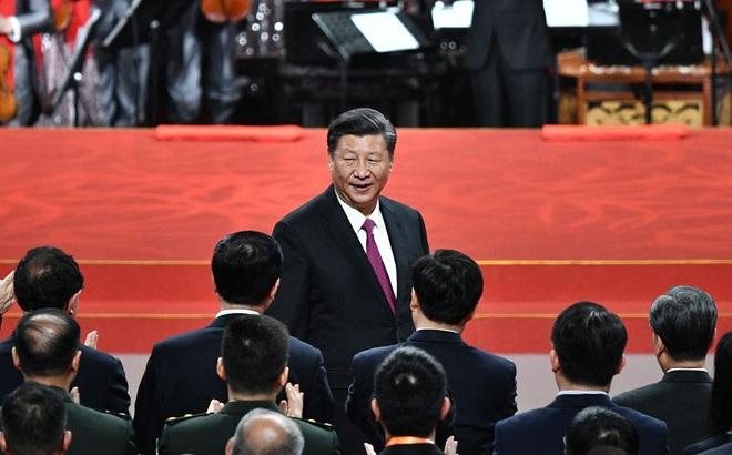 """Nức nở khen ngợi Macau ái quốc, ông Tập Cận Bình buông cảnh báo """"ớn lạnh"""" về Hồng Kông"""