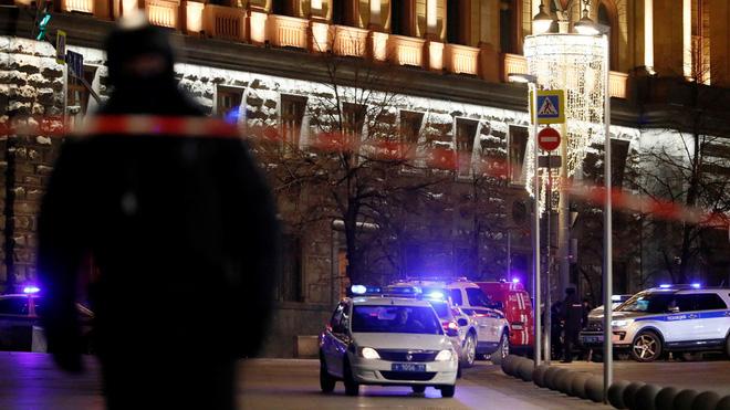CẬP NHẬT: Xả súng kinh hoàng giữa Moscow - Ảnh 6.