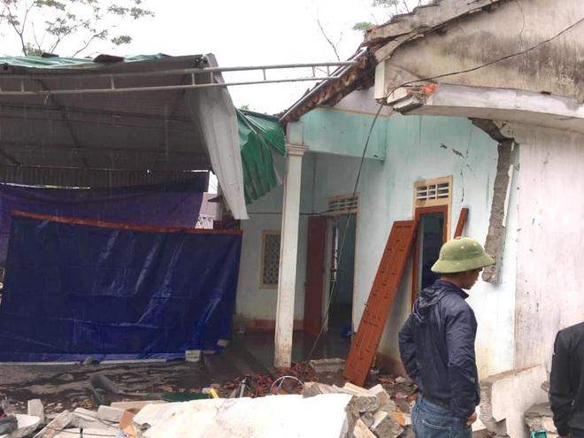 Hiện trường vụ nổ kinh hoàng tại Nghệ An khiến 2 cha con tử vong, con dâu sẩy thai - Ảnh 9.