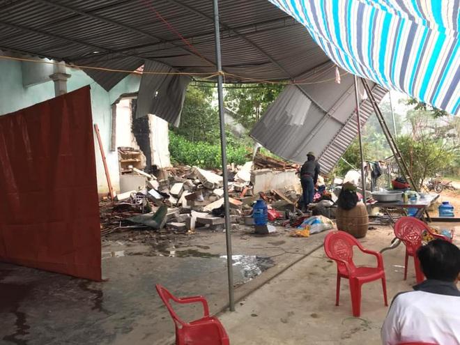 Hiện trường vụ nổ kinh hoàng tại Nghệ An khiến 2 cha con tử vong, con dâu sẩy thai - Ảnh 6.