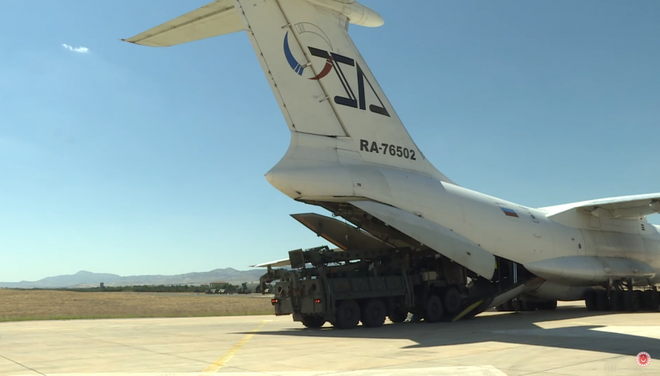 NATO đánh hội đồng, gấu Nga giơ nanh vuốt: Rốt cuộc S-400 là cứu cánh hay ngày tận thế của Thổ Nhĩ Kỳ? - Ảnh 2.