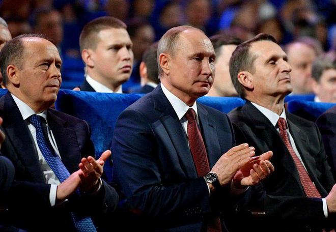 CẬP NHẬT: Xả súng kinh hoàng giữa Moscow - Ảnh 3.