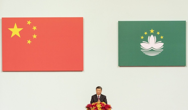 Nức nở khen ngợi Macau ái quốc, ông Tập Cận Bình buông cảnh báo ớn lạnh về Hồng Kông - Ảnh 1.