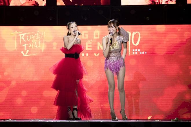 Ninh Dương Lan Ngọc mặc sexy, liên tục trêu ghẹo Ngô Kiến Huy trước hàng nghìn khán giả - Ảnh 9.