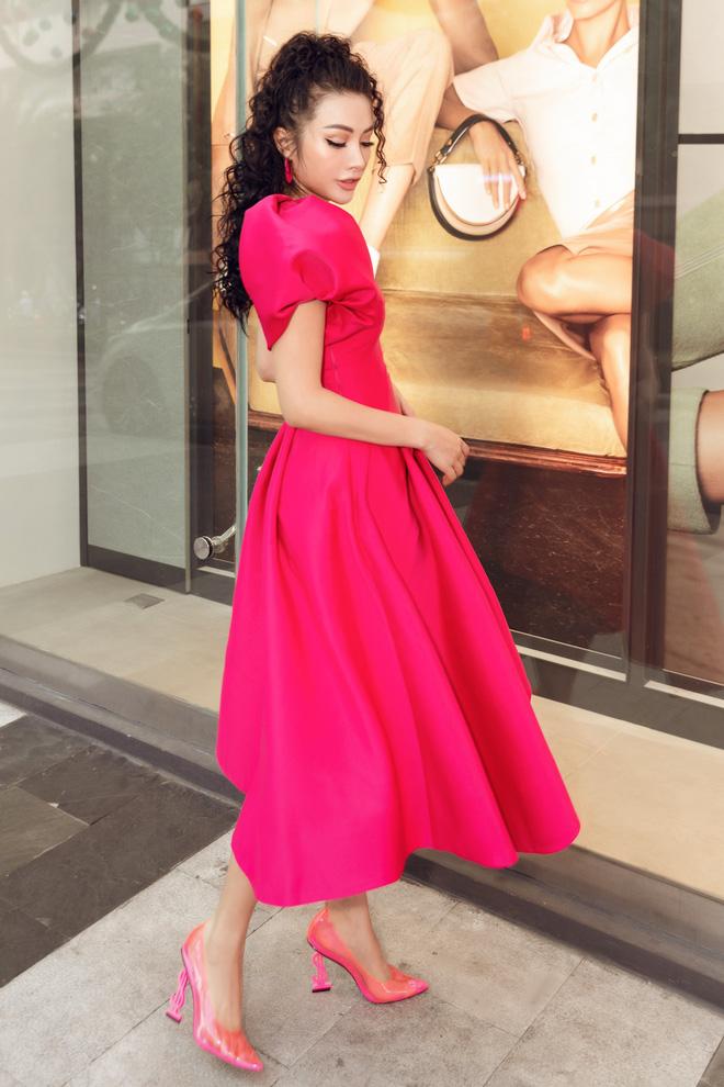 Yaya Trương Nhi kín đáo nhưng vẫn quyến rũ với set đồ màu hồng ấn tượng - Ảnh 5.