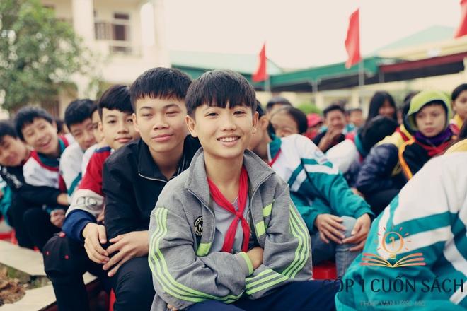 Về quê hương Can Lộc trao sách, đánh thức lòng tự hào dân tộc trong học sinh - Ảnh 7.