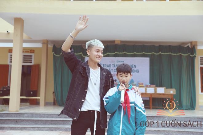 Về quê hương Can Lộc trao sách, đánh thức lòng tự hào dân tộc trong học sinh - Ảnh 10.