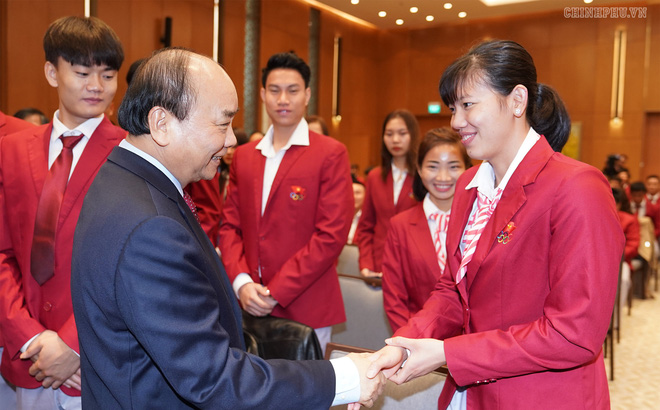"""Thủ tướng Nguyễn Xuân Phúc: """"Đừng để các VĐV sau khi giải nghệ phải đi bán bánh mì"""""""