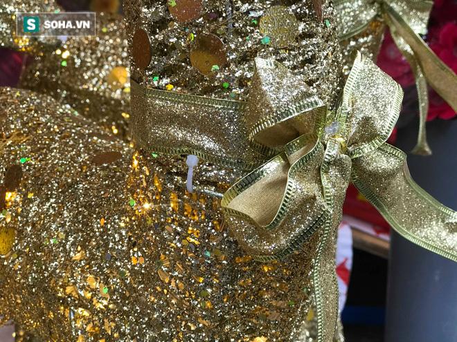 """Cây thông vàng, ông già Noel bạc """"sang chảnh"""" tại phố Cổ có giá cao ngất ngưởng vẫn cháy hàng - Ảnh 5."""
