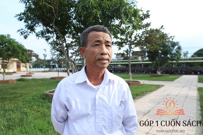 Cuốn sách có chữ ký của Hà Đức Chinh đến tay học sinh ở quê hương Ngã Ba Đồng Lộc - Ảnh 5.