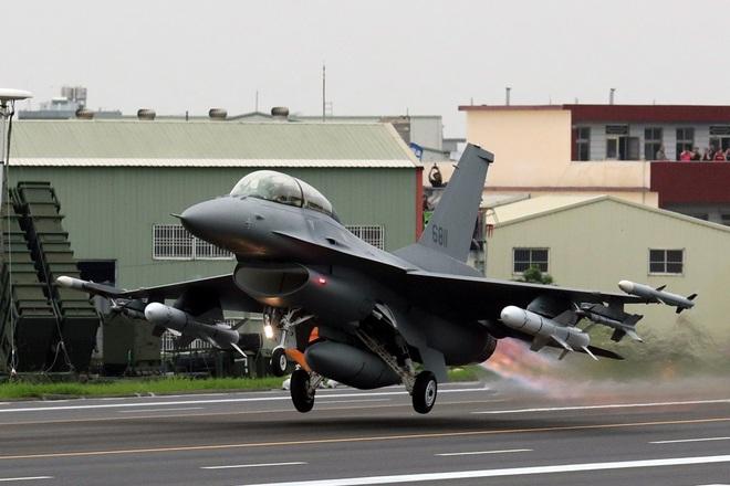 Viễn cảnh 66 tiêm kích F-16V Đài Loan đối đầu KQ Trung Quốc: Bắc Kinh có ngậm trái đắng? - Ảnh 1.