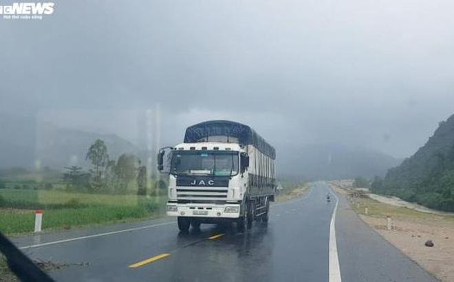 Tài xế vẫn chạy 'chui' trên cao tốc đang thi công, Đà Nẵng chỉ đạo khẩn