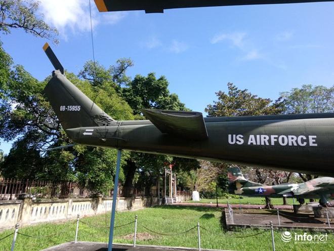 Cận cảnh 4 chiếc máy bay chiến đấu thần thánh trong Kinh thành Huế - Ảnh 6.