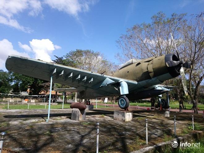 Cận cảnh 4 chiếc máy bay chiến đấu thần thánh trong Kinh thành Huế - Ảnh 9.