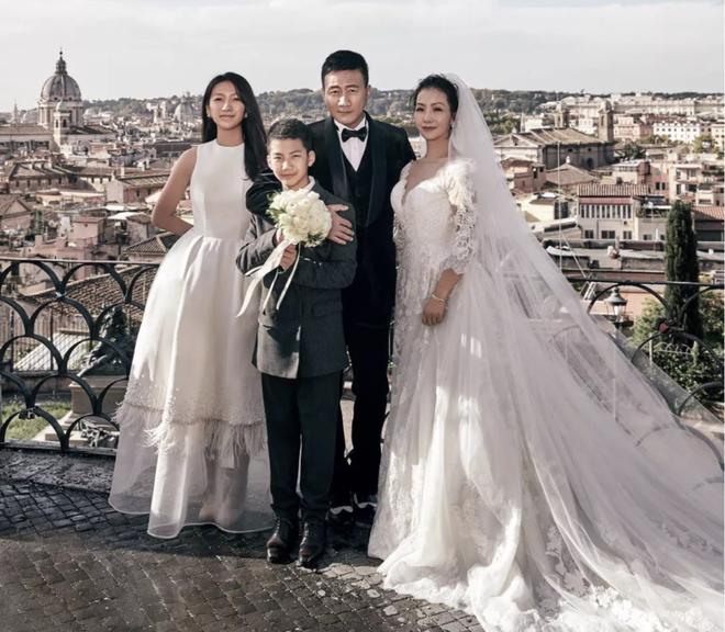Kiều Phong đỉnh nhất Thiên long bát bộ: Cuộc sống gia đình đẹp hơn cả trên phim - Ảnh 9.
