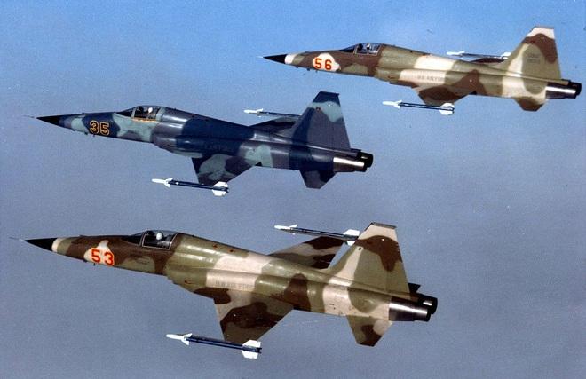 Mỹ mua lại 22 mớ sắt vụn từ Châu Âu: Luyện đòn hủy diệt nhằm vào tự hào của CNQP Iran? - Ảnh 3.