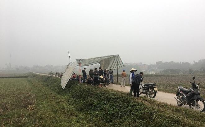 Vì sao người dân tái diễn cảnh dựng lều bạt chặn xe vào bãi rác Nam Sơn? - Ảnh 1.