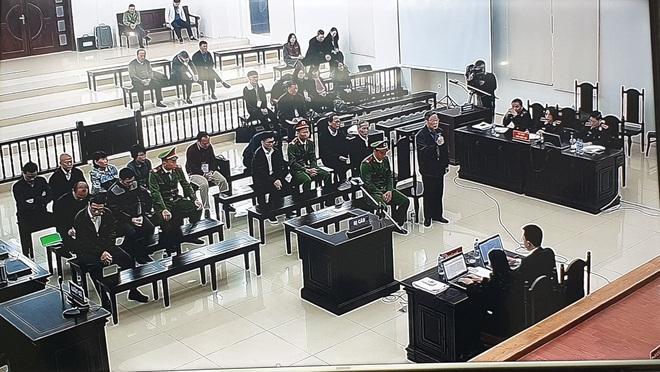Cựu Chủ tịch AVG Phạm Nhật Vũ xin vắng mặt trong ngày nói lời sau cùng và tuyên án vì lý do sức khoẻ - Ảnh 14.