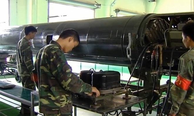 [ẢNH] Tên lửa đạn đạo Scud mạnh nhất Đông Nam Á - Ảnh 3.
