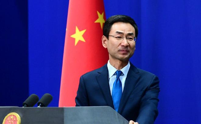 """Bắc Kinh """"phản pháo"""" tin nhắn cầu cứu trong tấm thiệp gửi sang Anh, tố TQ cưỡng ép tù nhân"""