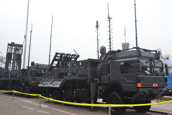 Nhìn cận cảnh tổ hợp tên lửa mới cứng của phòng không Việt Nam: Đẳng cấp thế giới - Ảnh 1.