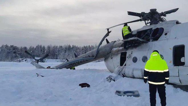 NÓNG: Trực thăng Mi-8 gãy cánh trong bão tuyết ở miền Trung nước Nga, 3 người lâm nạn - Ảnh 2.