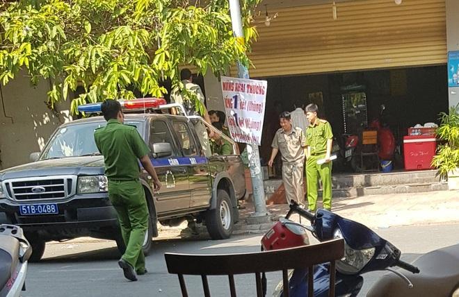 Kéo nhau đi đòi nợ bị nhóm con nợ đâm tử vong ở Sài Gòn - Ảnh 1.
