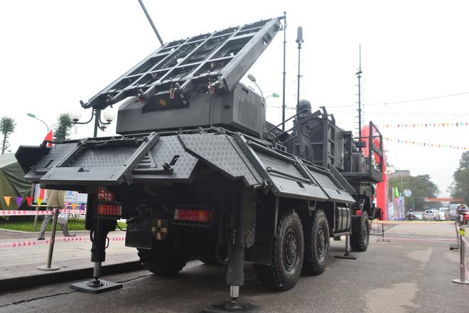 Nhìn cận cảnh tổ hợp tên lửa mới cứng của phòng không Việt Nam: Đẳng cấp thế giới - Ảnh 3.