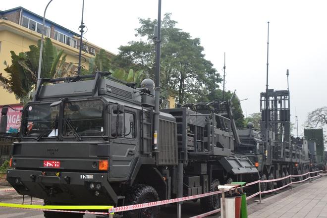 Nhìn cận cảnh tổ hợp tên lửa mới cứng của phòng không Việt Nam: Đẳng cấp thế giới - Ảnh 4.