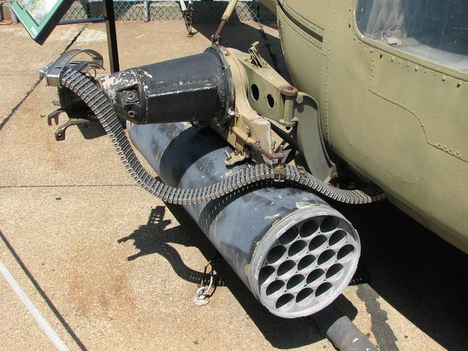 Trước áp lực của UAV và tên lửa Iran, KQ Mỹ lôi vũ khí rẻ tiền thời CTVN ra phòng thân? - Ảnh 1.